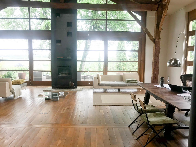 lounge 2 CHEZ ZeN.jpg