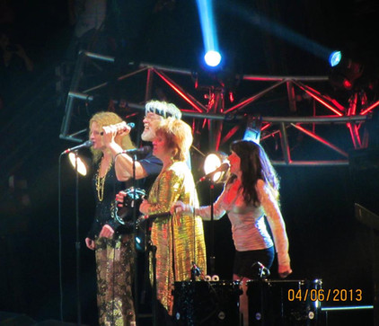 Seger and girls
