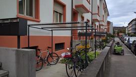 Fassade saniert und neue Velounterstände installiert