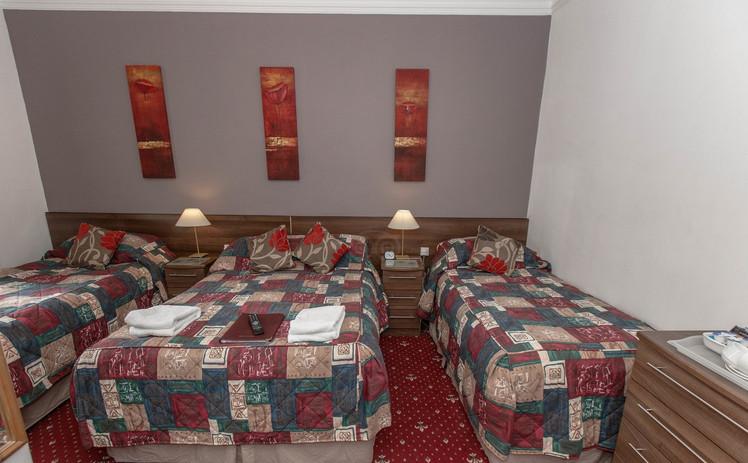family-room--v11946607_edited.jpg