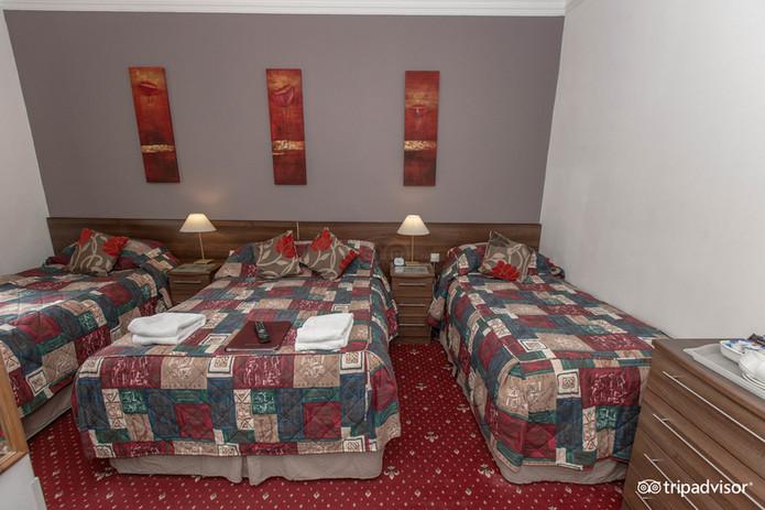 family-room--v11946607.jpg