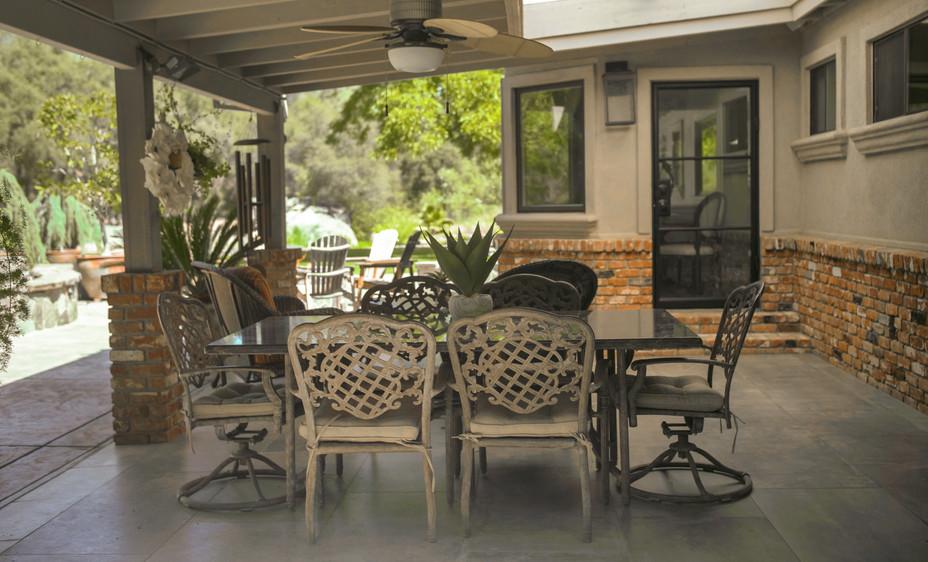 Backyard Patio Dining