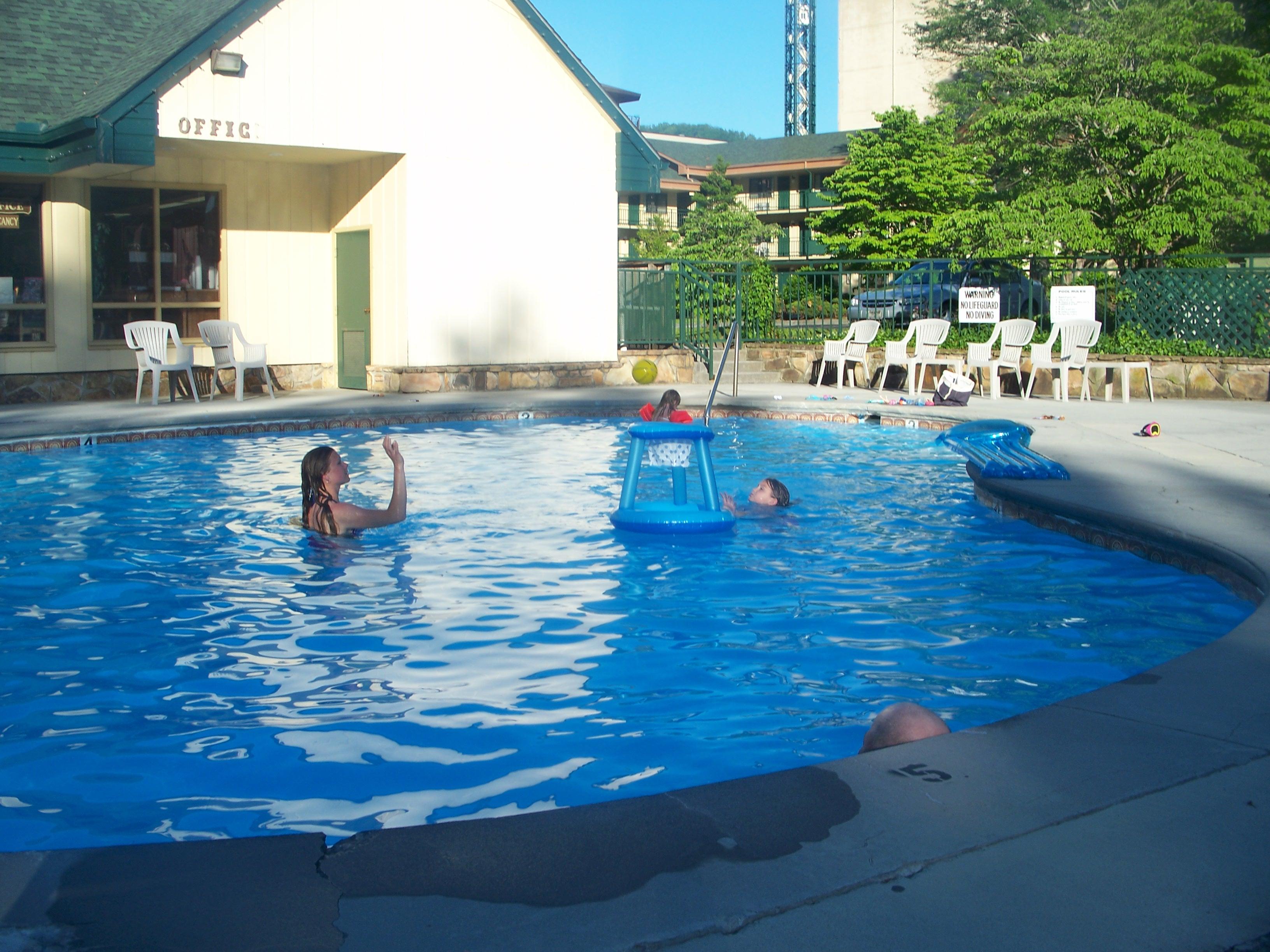 swimming 015.jpg