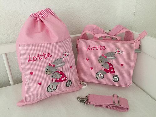 Kindergartentasche und Turnbeutel Hase fährt Roller