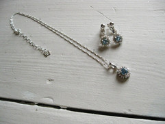 meme's Flower Necklace&Earrings