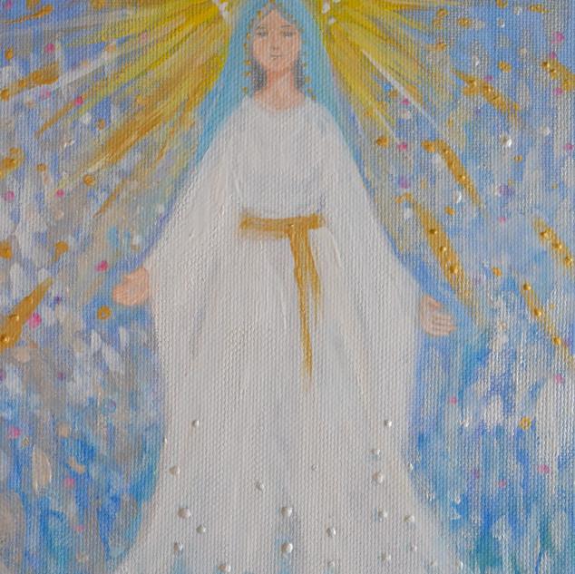 両手を広げる聖母マリア