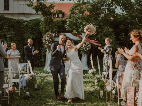 Ślub cywilny w plenerze, Stara Zajezdnia Kraków | Reportaż ślubny Moniki i Huberta