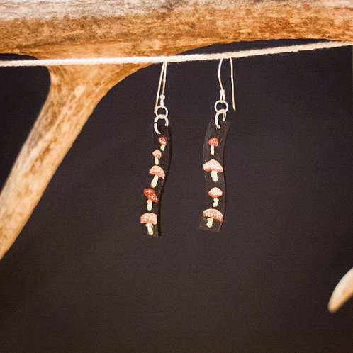 Amanita Muscaria mini // Hand-painted Earrings