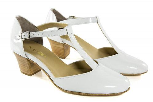 Sapato Fem. Mod. tradicional - 01 cor - Ref 00020