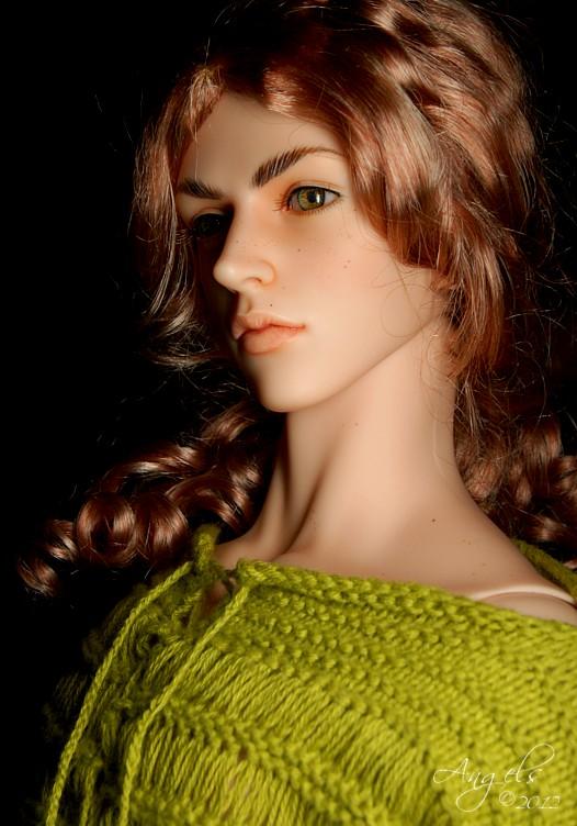 LiamGreensweaterb.jpg