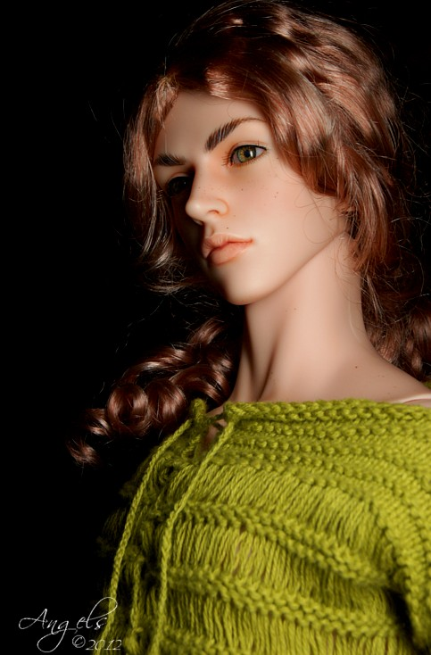 LiamGreensweaterA.jpg
