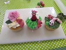 icing cakes 4.jpg