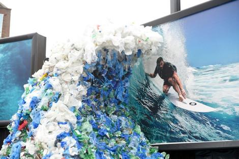 Hawaiian shirt symbolises sustainability and safeguarding of 100 beaches