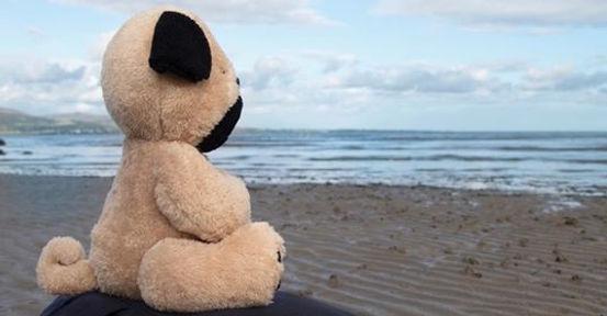 Mindful Moe meditates on Blackrock Beach