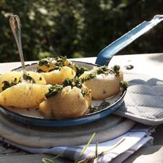 010 Wildkraeuteroel auf Kartoffeln 020.j