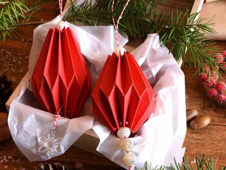 Weihnachtliche Anhänger falten