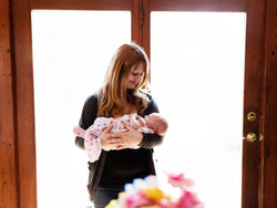 Are Lifestyle In-home Newborn Sessions Right for You?