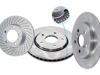 Qual a diferença entre freios ventilados, perfurados e sólidos?