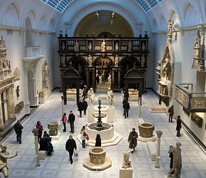 Medieval_and_Renaissance_Galleries_at_th