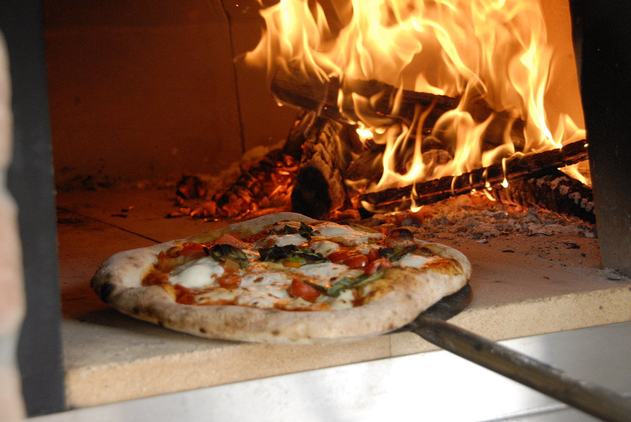 Www Woodfired Pizza Oven Co Uk 01246461150 Derbyshire