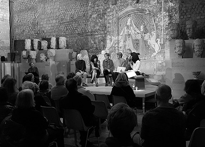 Commentaires littéraires et lecture des poèmes inspirés de la tenture de La Dame à la licorne.