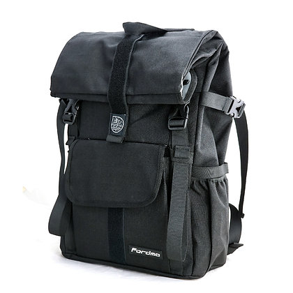 WALLY Everyday Backpack