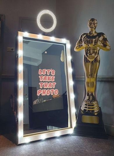 HollywoodFrameOscars.jpg