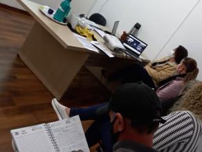 Grupo local de professores multiplicadores discutem currículo