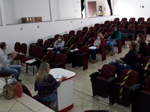 São Carlos inicia formação de professores do ensino fundamental através da AMOSC