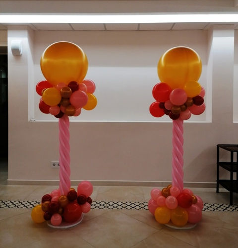 колона из разнокалиберных шаров.jpg