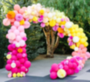 арка из шаров с бумажными шарами томск.j