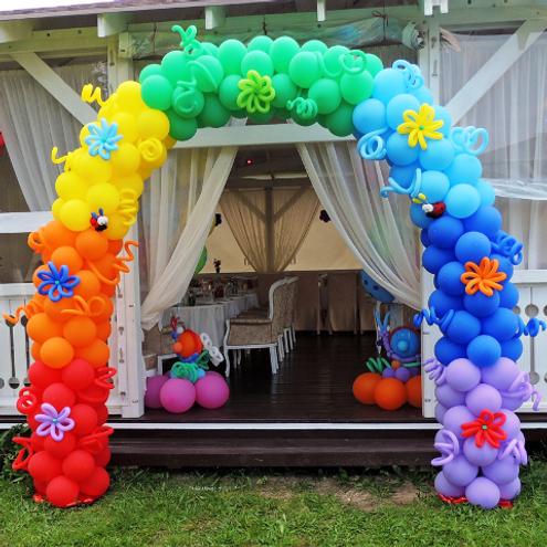 арка из воздушных шаров на выпускной.png