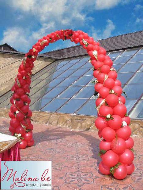 Фантазийная арка из воздушных шаров на в