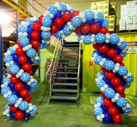 креативная арка из воздушных шаров томск