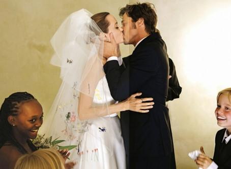 """Рубрика """"Свадьба звезд"""". Свадьба Анджелины Джоли и Бреда Питта"""