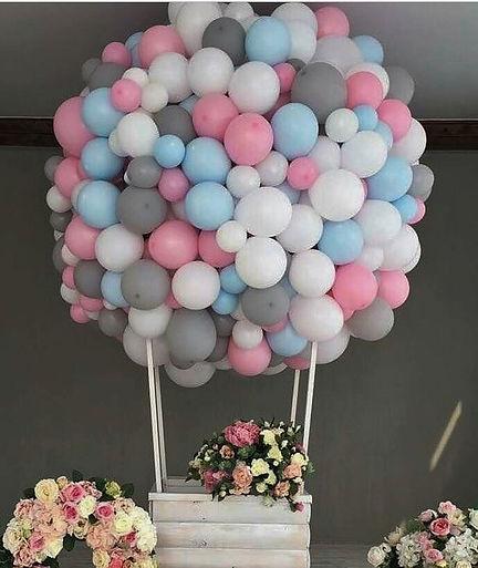 Большой шар с корзиной из воздушны шаров томск