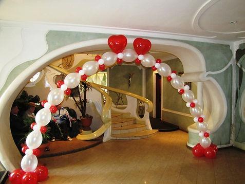 арка из шаров дешево томск.jpg