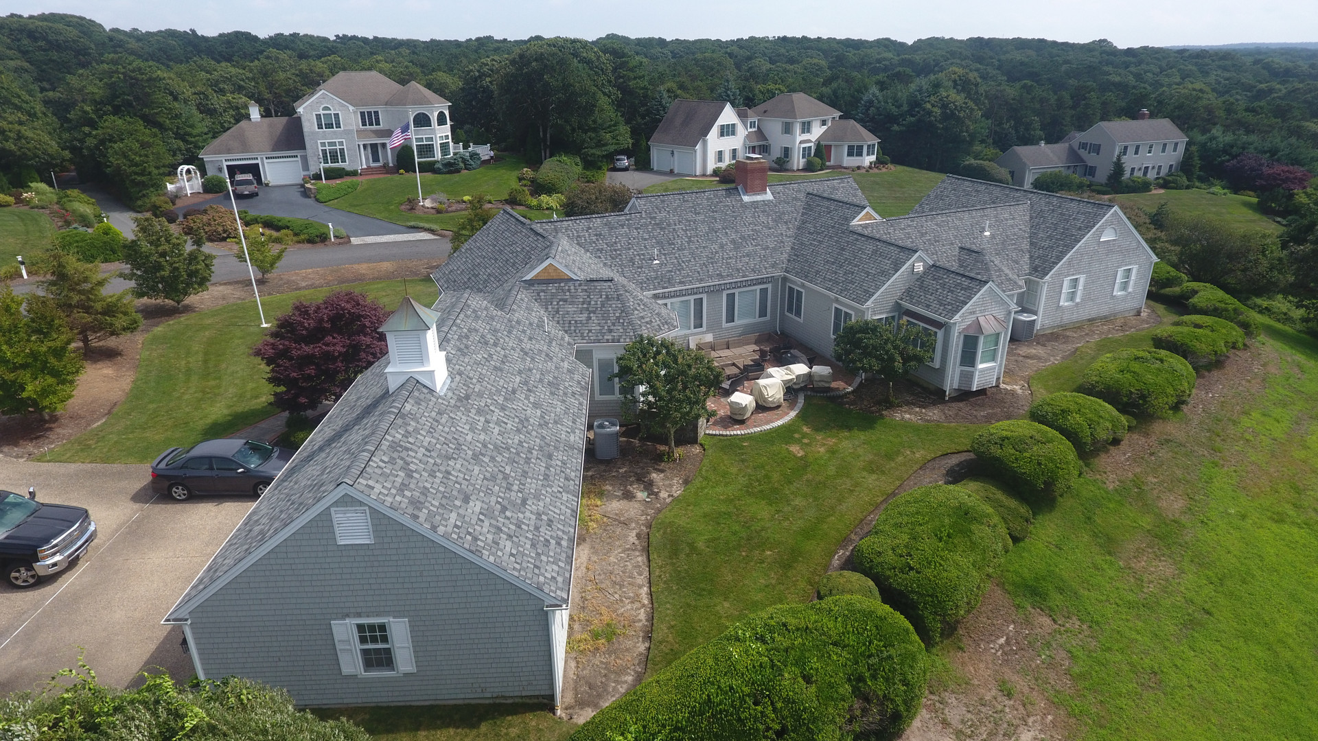 Large single story home in Dennis.