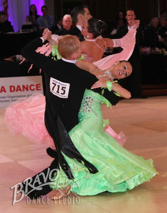 Bravo-Am-Am-Dancers-1-(2).jpg