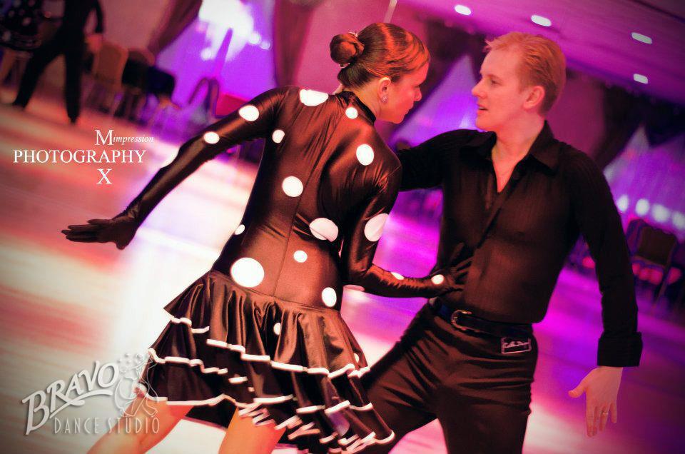 Bravo-Am-Am-Dancers-1-(1).jpg