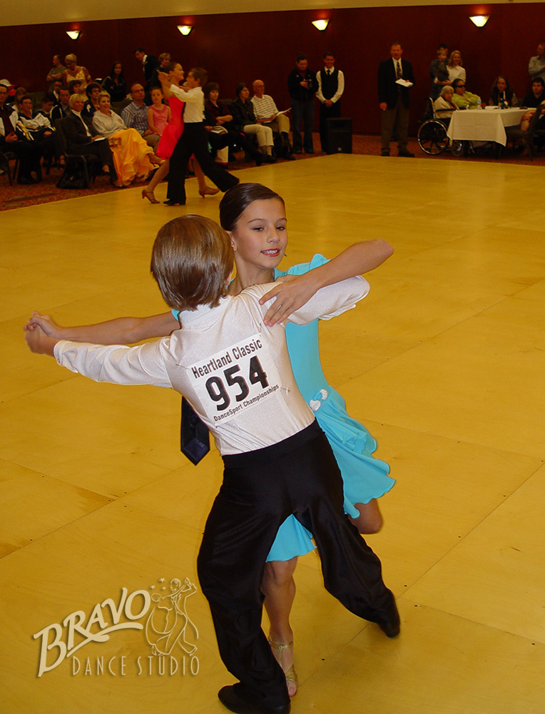 Bravo-Kids-DanceSport-1-(3).jpg