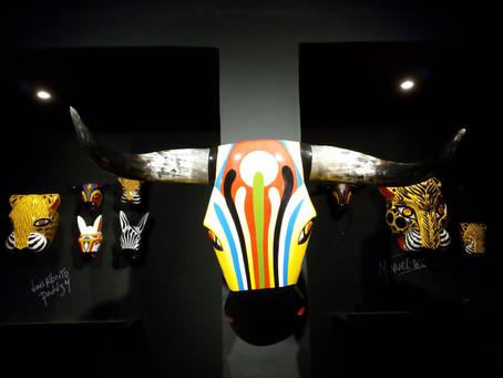 Máscaras tradicionales de carnaval son expuestas en Casa Todo Mono