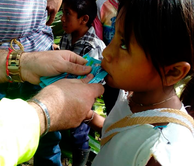 Indígenas damnificados reciben ayuda humanitaria después de 2 meses