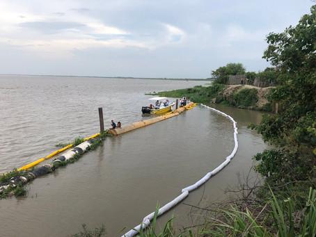 Draga que causó derrame continúa hundida en el río Magdalena