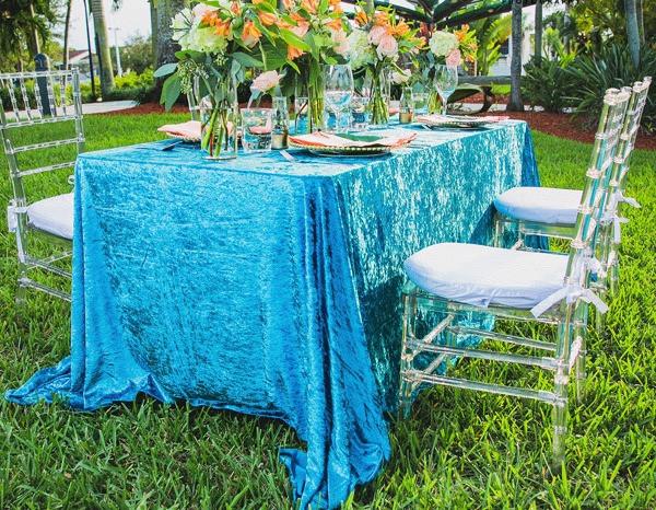 Chiavari Chairs & a banquet table