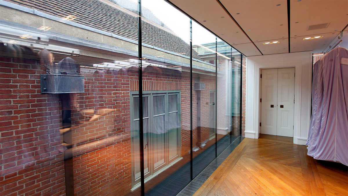 Modern Partitioning Systems - British Aluminium