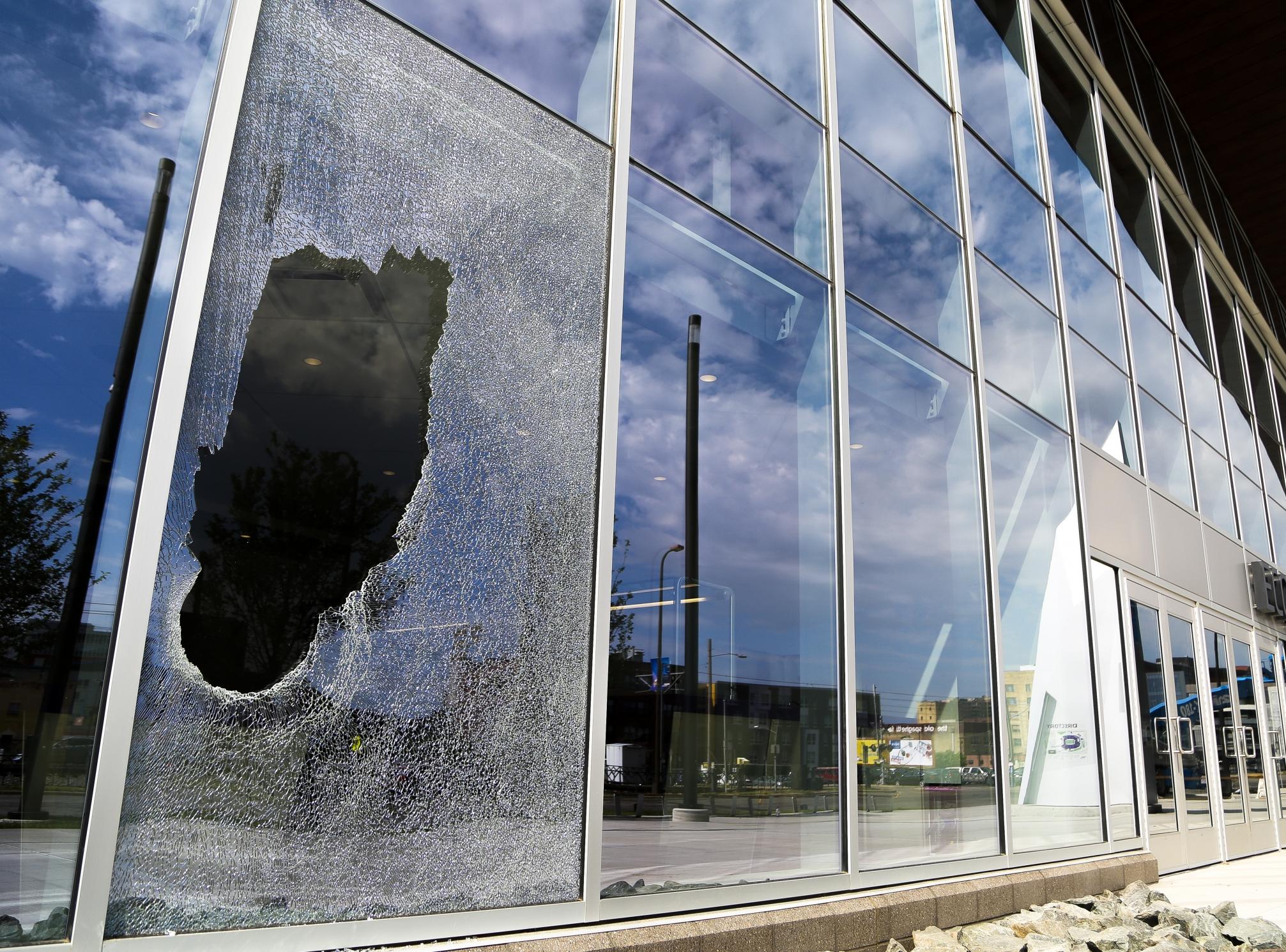 Urgent Broken Glass Repairs