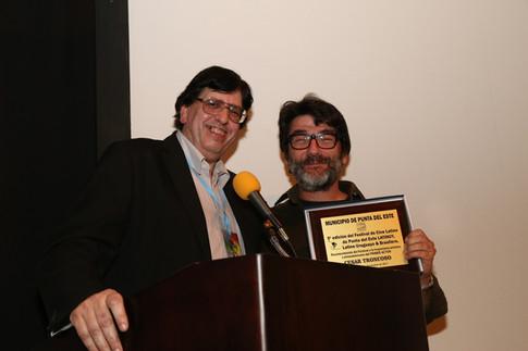 Premiado Cesar Troncoso junto a Jorge Jellinek  .jpeg