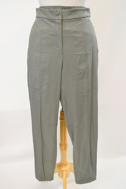 "Lululemon Green ""Dynamic Days"" Pants Size 10"