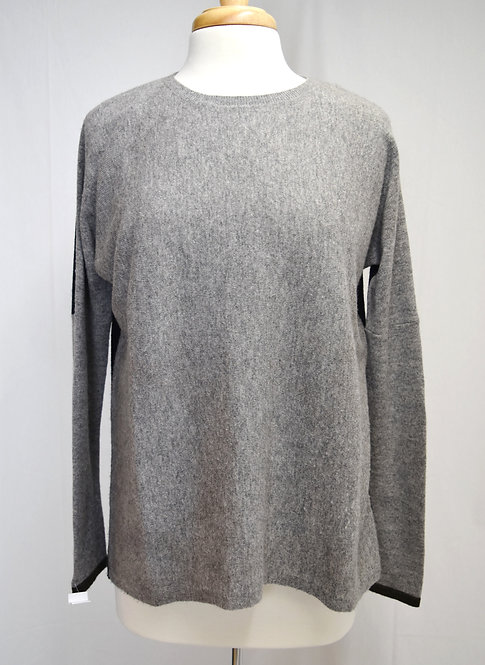 Vince Gray & Black Sweater Size Small